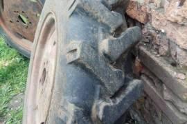 Запчасти  Спецтехники, Колеса и шины